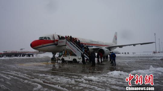 由于无法达到飞机正常起降标准
