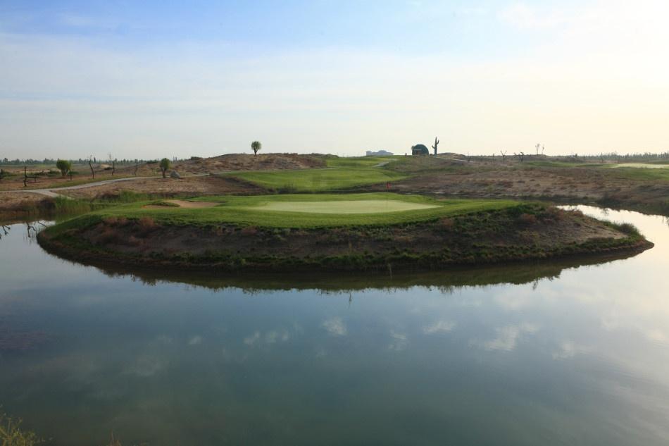 宁夏颐和沙漠高尔夫球场