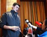 全国政协委员姚明接受记者采访