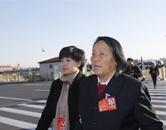 申纪兰代表抵达天安门广场