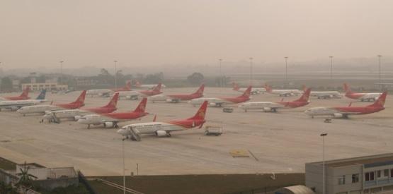 南宁机场先后接受从重庆,合肥,无锡,上海浦东等地飞往深圳的备降航班