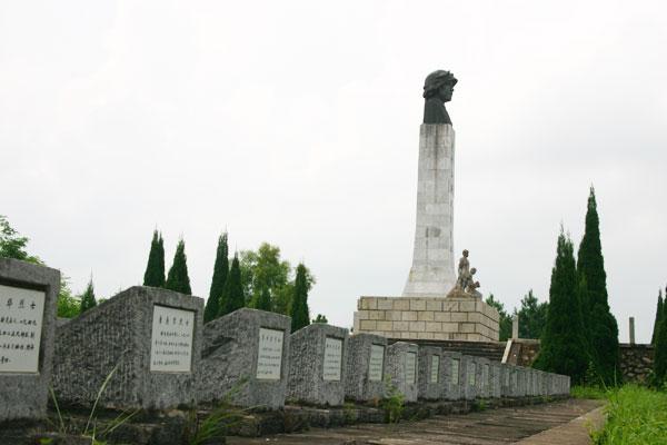 爱国主义教育基地巡礼—— 凭祥法卡山英雄纪念碑