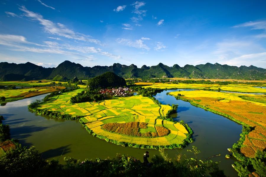 上林县覃排半岛风光