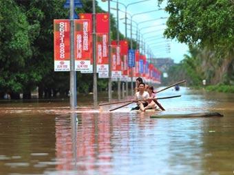 高清:广西宁明洪峰过境 县镇被淹