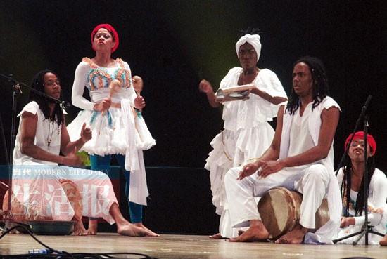 牙买加联合歌舞团在表演
