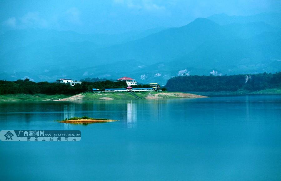 风景婉约秀丽的澄碧湖,位于革命老区广西百色市百色城东北