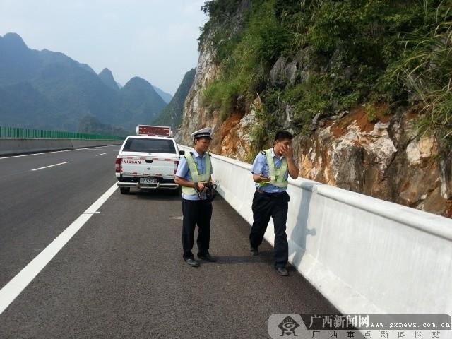 高速交警力保安全 河都高速开通首日道路畅通无阻