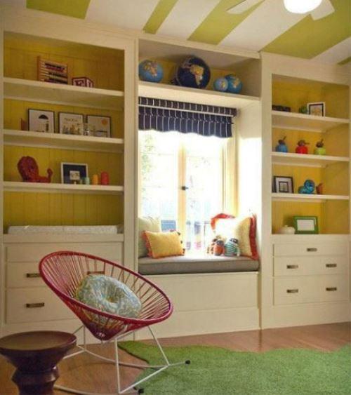 床靠窗户设计图-儿童房窗帘蜷在窗子上面,给人一种精致的装饰美感.这样的儿童房飘
