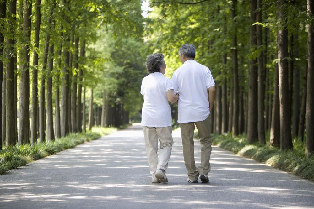 老年人散步大有讲究