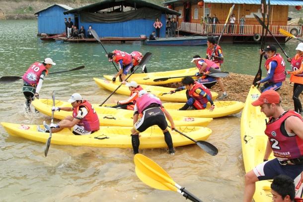 赛事皮划艇下水