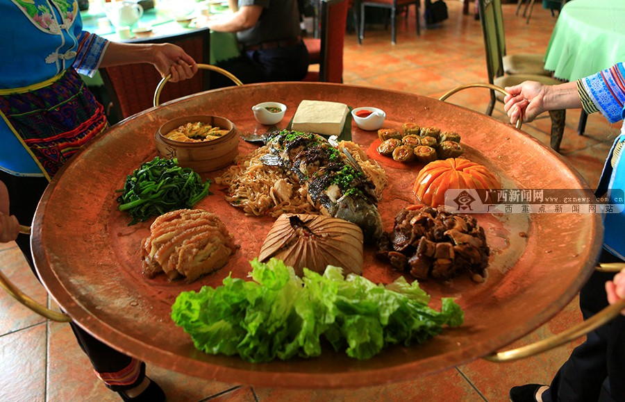 高清:壮王土司宴 无法拒绝的边境美食