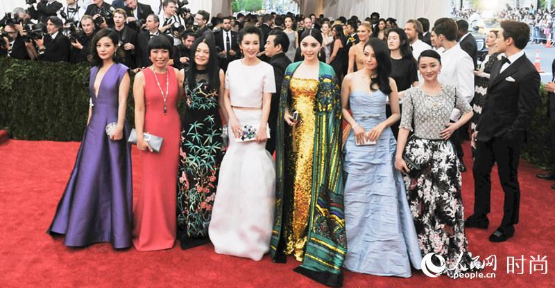 2015日本metcn人体艺术_met ball是个慈善晚宴,目的是为纽约大都会艺术博物馆服装学院(现