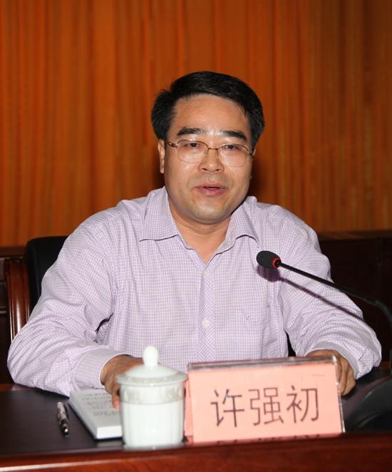 中共南宁市邕宁区委员会副书记、政府区长许强初