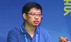 多彩贵州网市场部副主任令狐昌林发表演讲