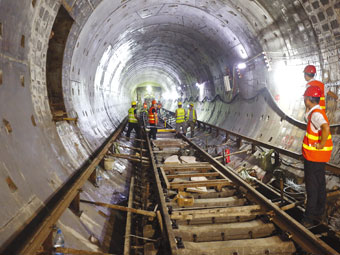 南宁地铁1号线西段铺轨 完成线路铺设4.8公里(图)