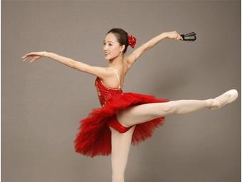 桂林人的一天:跳芭蕾的女子(组图)