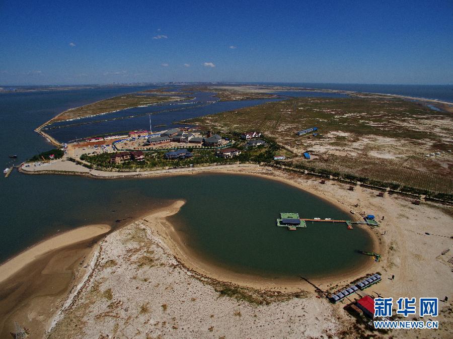 唐山湾国际旅游岛总规划面积100平方公里,由菩提岛,月岛和祥云岛等