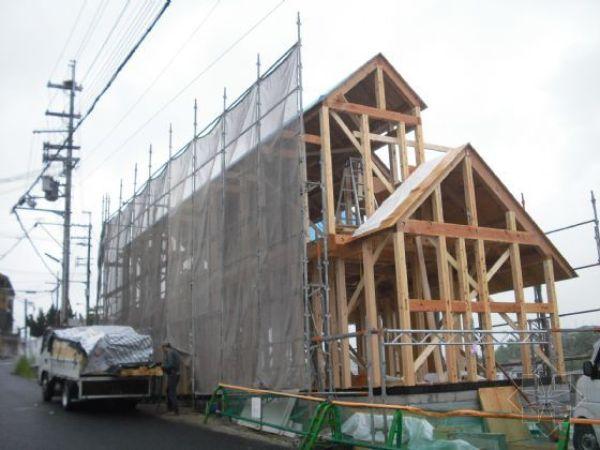 住宅屋顶位置,承重屋面板的安装施工.