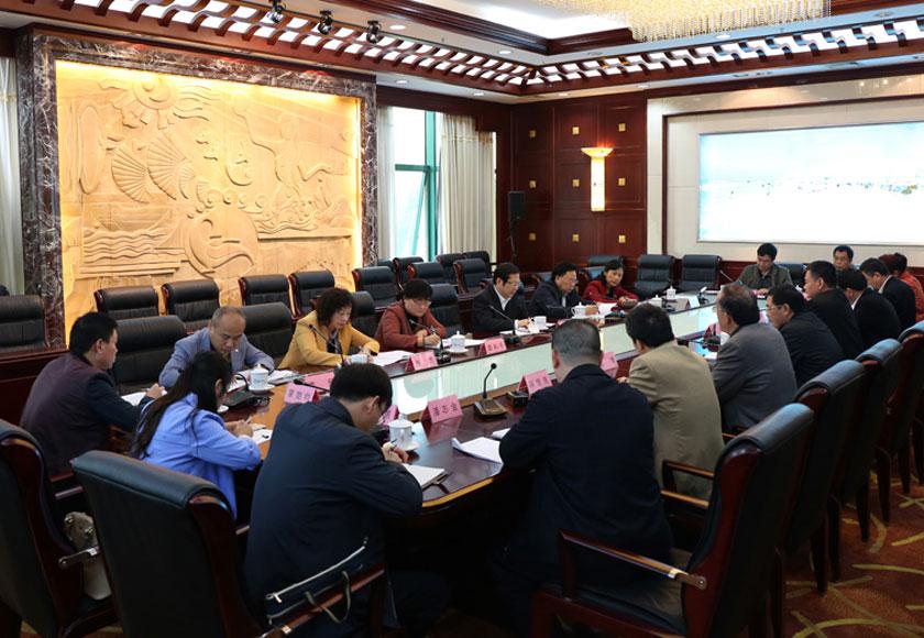 自治区人大内务司法委员会召开联系部门座谈会