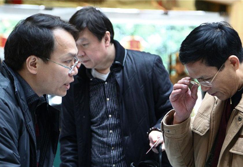 高清:自治区政协十一届四次会议委员陆续报到
