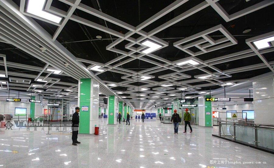 南宁1号线�岸�客运站地铁站真容曝光