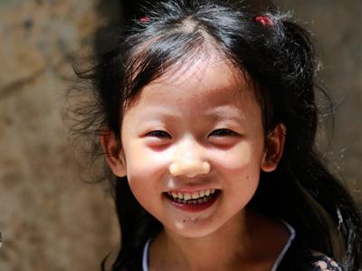 """""""六一""""儿童节:你的笑容是我最珍视的童年时光(图)"""