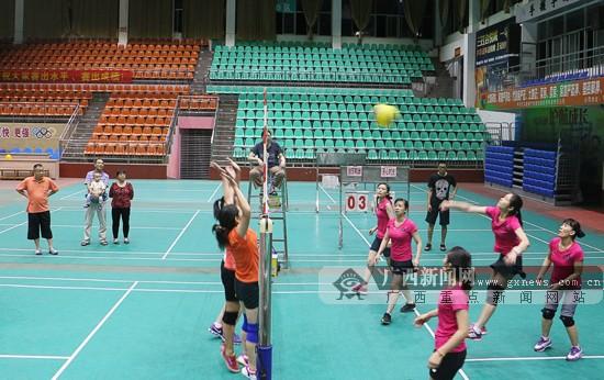 第四届广西城乡万人气排球赛平乐分赛区比赛结
