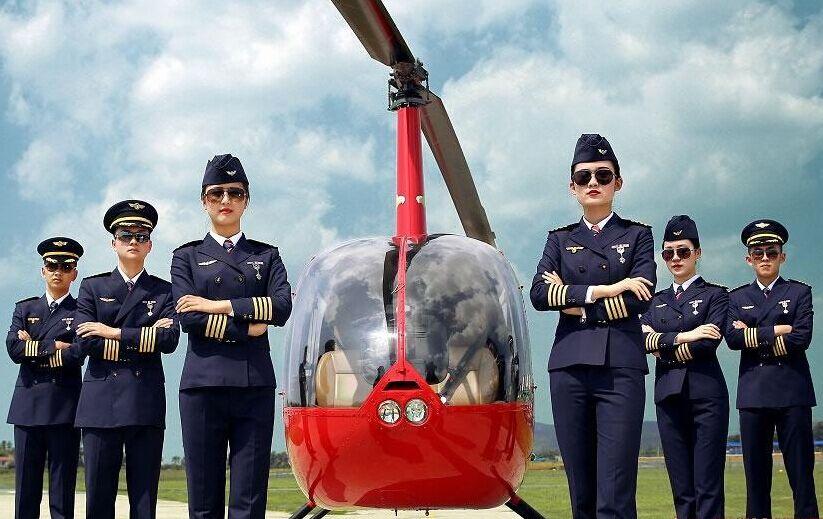 四川一高校增设直升机驾驶专业 年薪可达60万