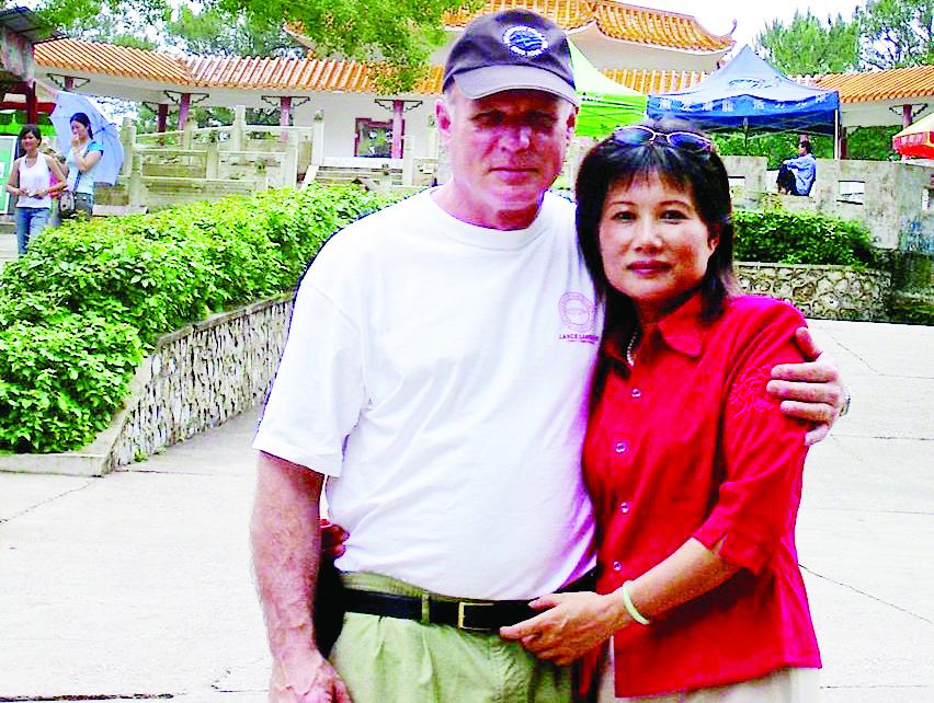 高清:美国老外退休后 跟广西太太来南宁定居