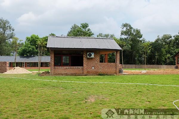 红顶砖墙,日式木屋,森林营地,动物乐园和跑马场,自然亲子旅馆,活力