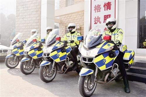 """南宁交警最大限度警力下沉一线 """"七位一体""""巡逻防控显成效"""