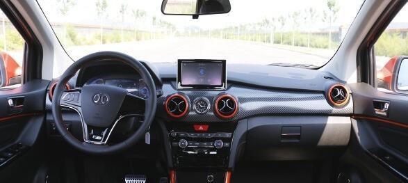 新能源车新风潮 试驾首款新能源SUV EX200