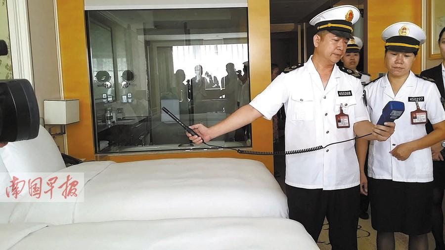 """南宁对""""两会""""及民歌节重点接待单位进行卫生检查"""
