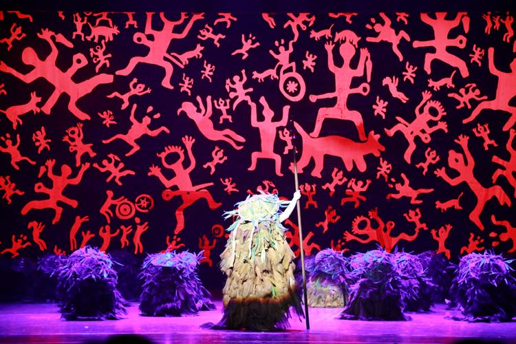 壮族岩画音乐舞蹈诗《花山》惊艳北京
