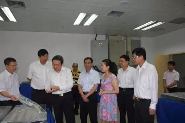 中国科协调研团到广西大学调研(图)