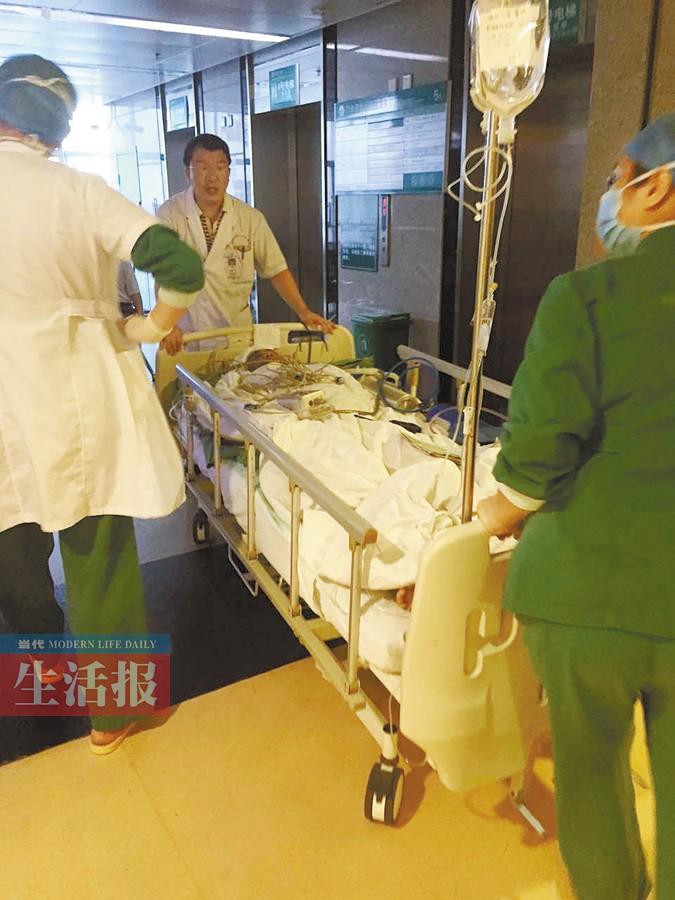 8月27日焦点图:男生将踏入大学校园 不料遭遇横祸