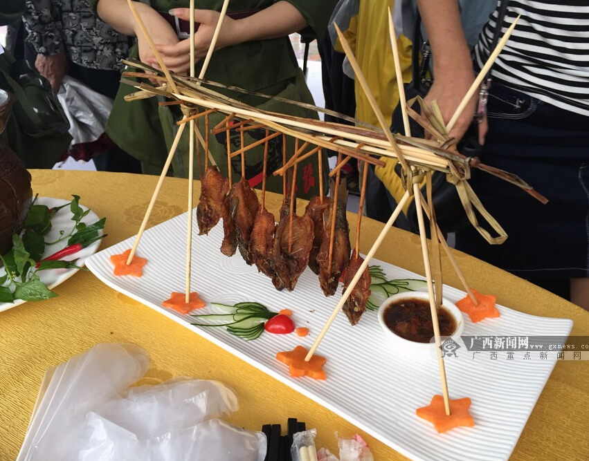 旅游商品和特色美食荟萃  贺州市打造旅游新名片