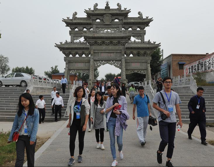 网媒记者探访太原青龙古镇
