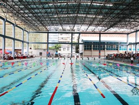 南宁举办青少年游泳锦标赛 为备战下届区运会选才