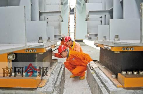 """港珠澳大桥融入多项""""柳州智慧"""" 为最长的跨海大桥"""