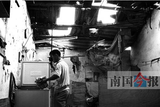 柳州:煤气爆燃掀翻屋顶震碎房门 女租户多处烧伤