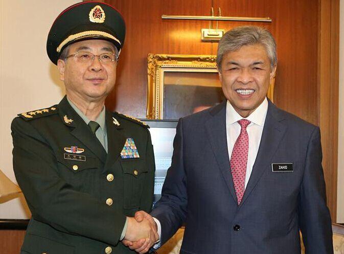 马来西亚副总理会见房峰辉