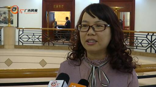 许惠萍代表:利用师资优势促教育资源均衡发展