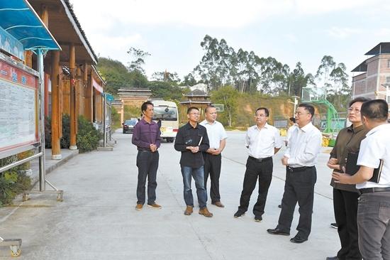 自治区纪委到上林县调研基层党风廉政建设工作