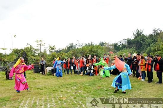 环江上演古老神秘的毛南傩面舞(图)