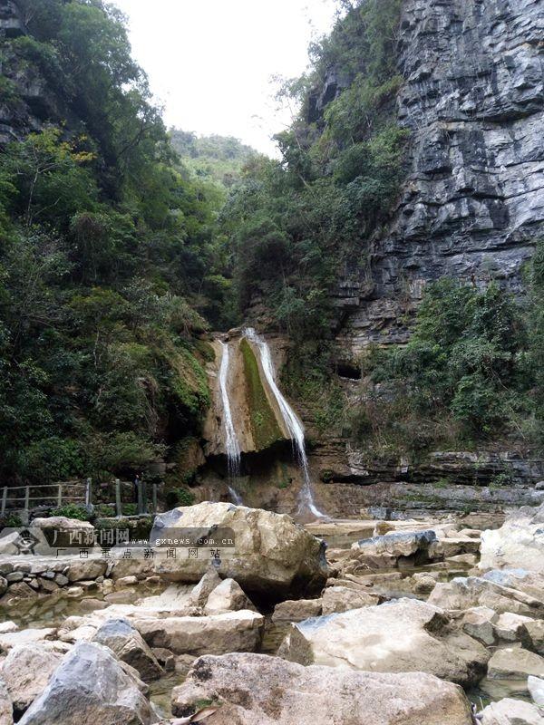 环江牛角寨瀑布群:镶嵌在群山大地上晶莹白花