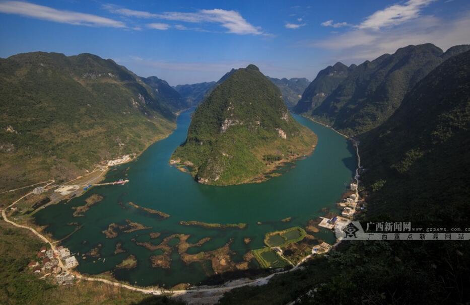 乘舟漫游红水河 登高鸟瞰红水河第一湾