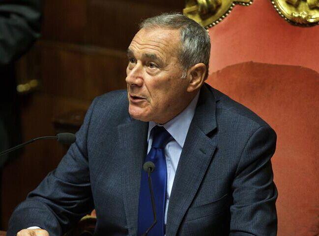 意大利参议院通过预算案