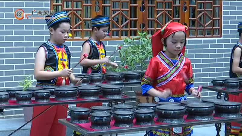 采访团走进东兰铜鼓博物馆 感受千年铜鼓文化
