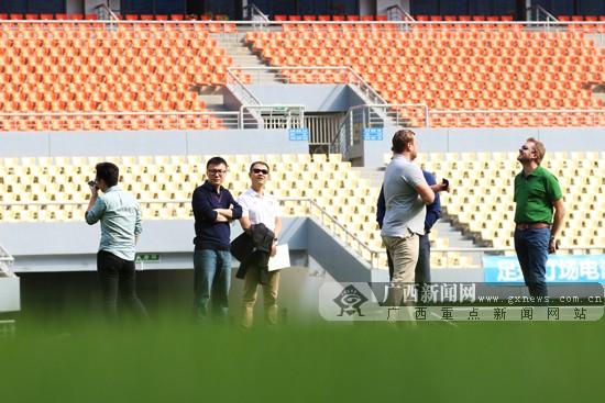 广西体育局副局长谢强:发展体育高标准办好中国杯